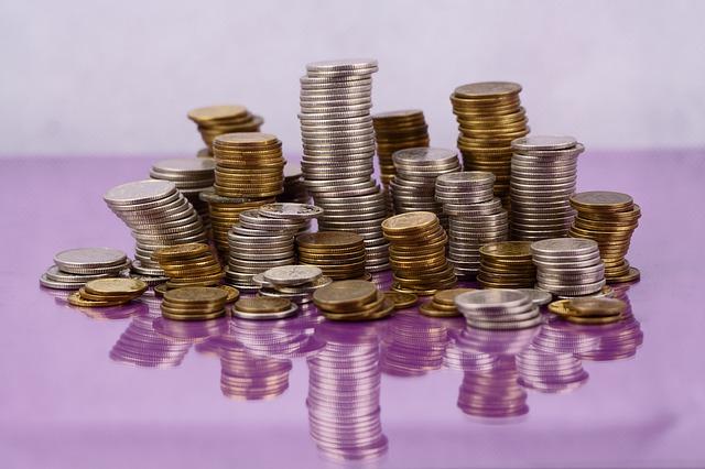 stosy z monet
